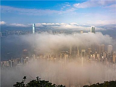 香港迎来平流雾