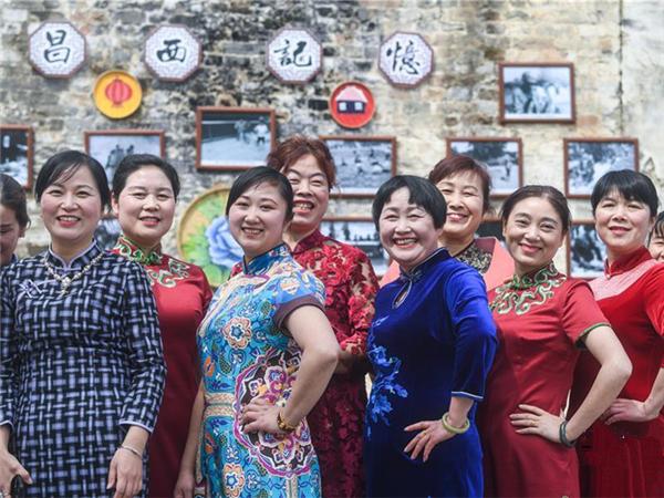 乡村女性感受家乡新变化