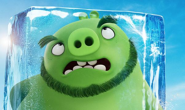 《愤怒的小鸟2》全新海报 萌鸟憨猪全员回归