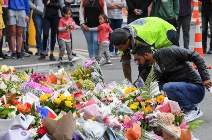 新西兰民众悼念枪击案遇难者