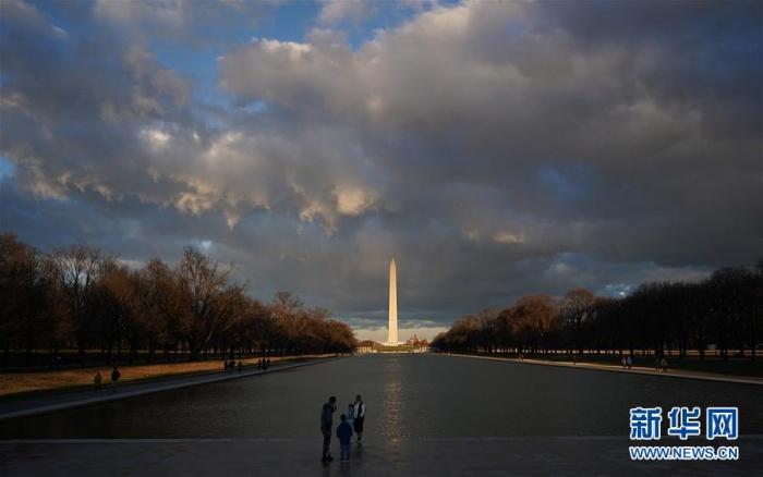 日落时分的华盛顿