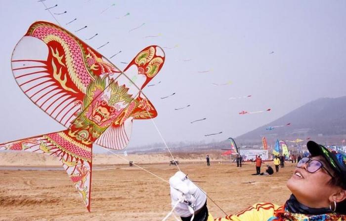 山东青岛:阳春三月纸鸢飞