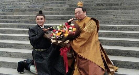 """陈坤为""""父皇""""倪大红贺生"""