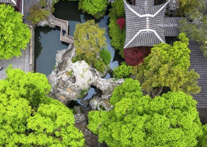苏州古典园林引游人