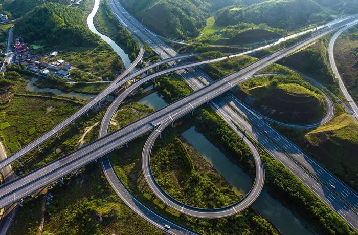 防城港至东兴高速路正式运营 创造了广西多个第一