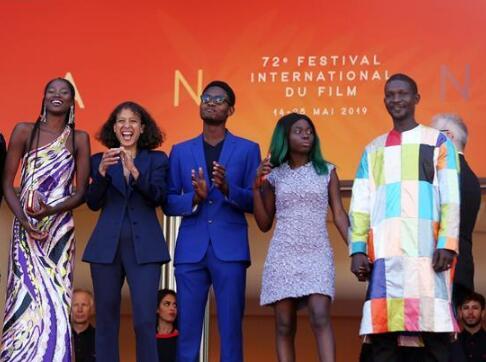 戛纳电影节:法国影片《大西洋》举行首映