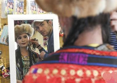 喀什:复古服饰里的文化之旅