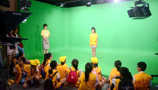 南宁:科技活动周开展气象开放日活动