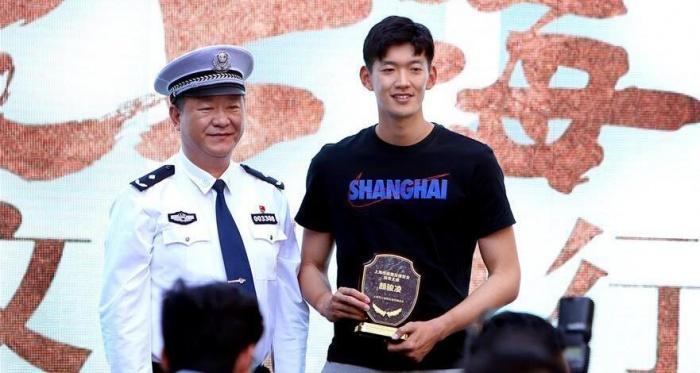 上海舉行交通安全宣傳日活動