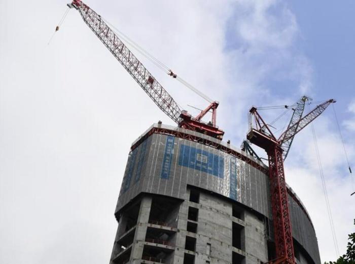 重慶在建第一高樓施工忙