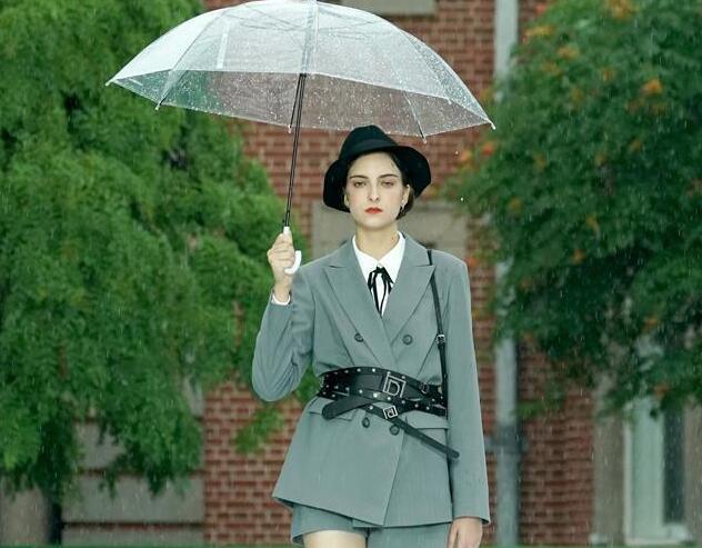 雨中時尚秀