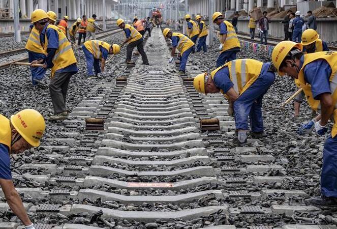 漢十高鐵完成鋪軌