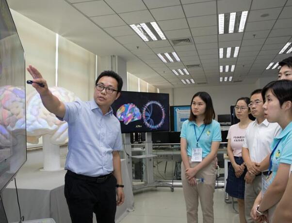 中科院迎来49名香港实习生