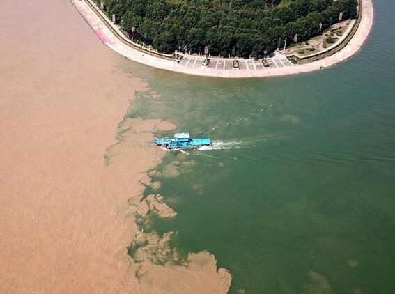 长江干流湖北段水位持续上涨