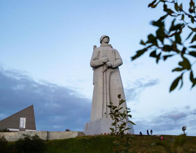 """世界和平日系列——摩尔曼斯克""""阿廖沙""""雕像"""