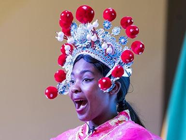 中国文化吸引世界目光