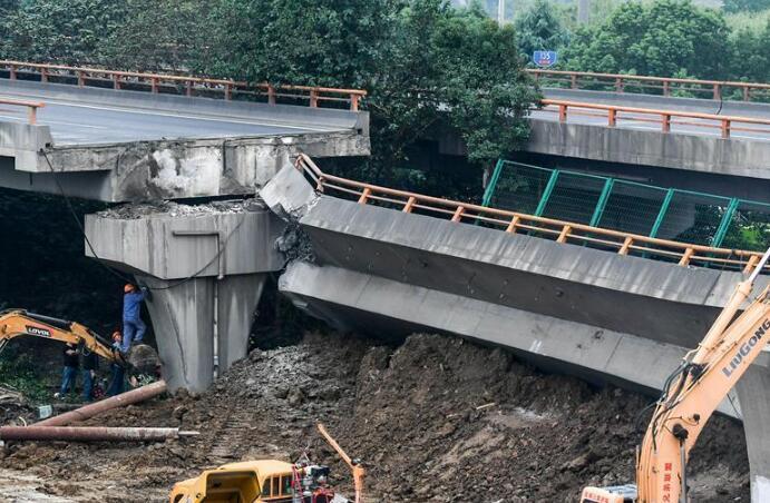 無錫高架橋側翻事故致3人死亡