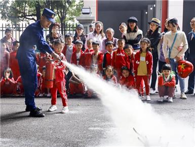 萌娃消防体验日