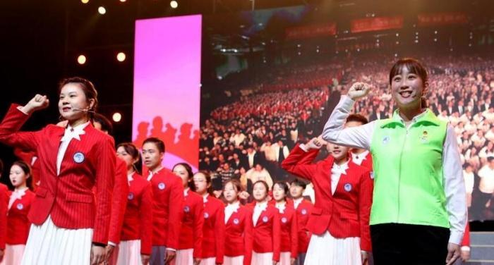 5000余名第二届进博会志愿者宣誓上岗