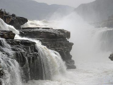 壺口瀑布:冬日景觀亦壯美