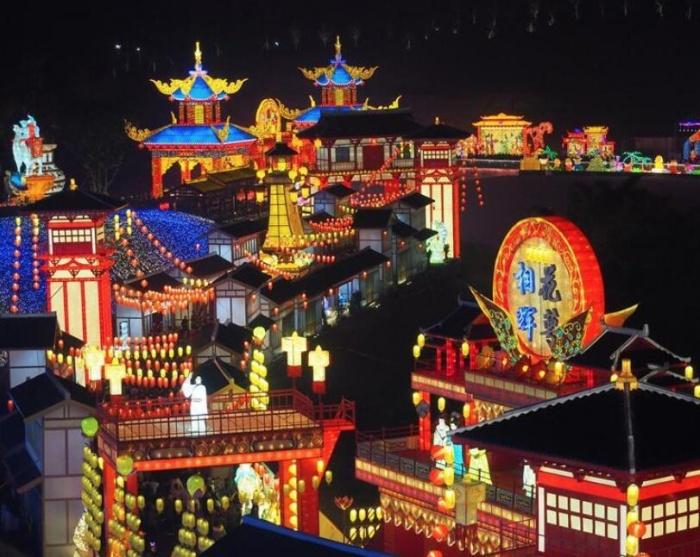 26届自贡国际恐龙灯会开幕