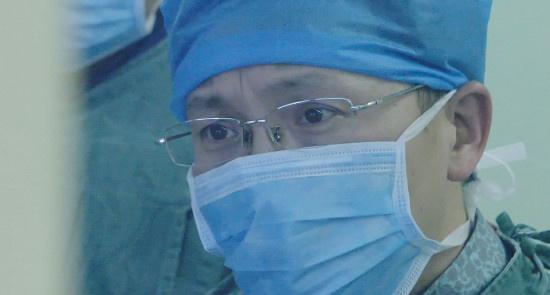 《中国医生》告诉我们医生的爱与怕