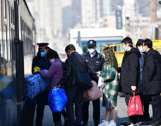 兰州局集团恢复开行16对旅客列车