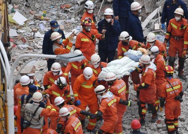 泉州塌樓事故一被困男子獲救目擊