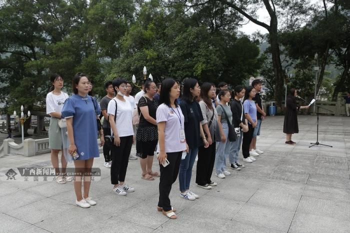 【广西双拥行】采访团到东兰烈士陵园缅怀先烈 传承红色精神