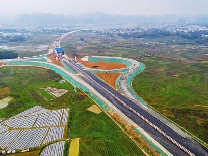 南宁6条公路同建为六景分流解压