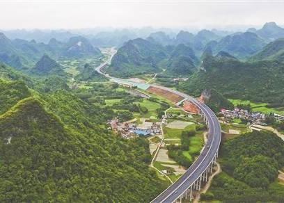 吾排隧道实现全幅贯通,新柳南高速公路今年内通车
