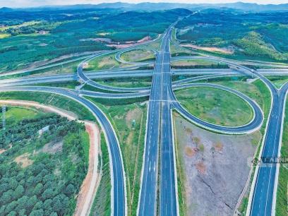 途經多個市縣!廣西多條高速公路實現通車