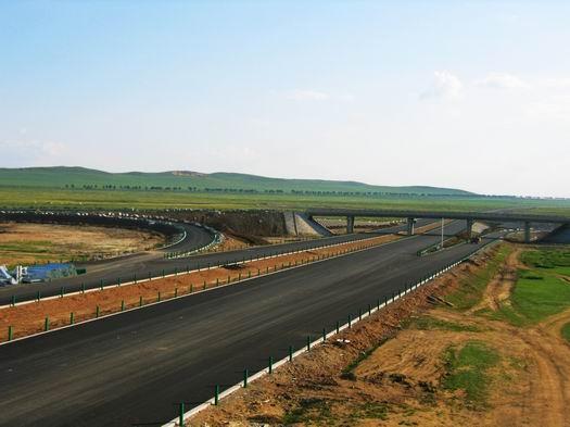 内蒙古国道207线宝昌至三号地高速公路