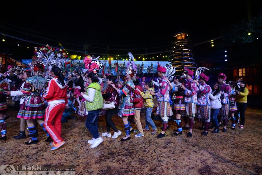 第三届大桂林旅游桂湘原生态风情节开幕式在三江举行