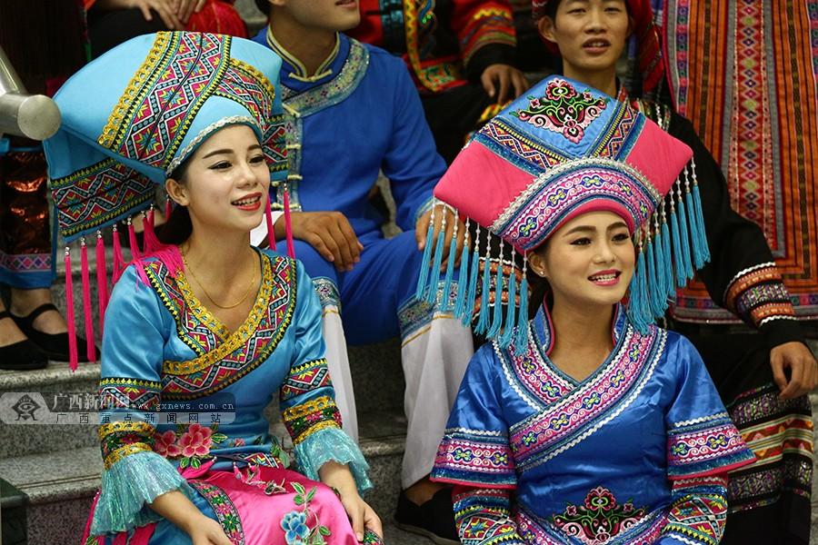 高清:南宁国际民歌艺术节开唱 邕城夜不眠