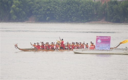 梧州人和龙舟队创吉尼斯世界纪录