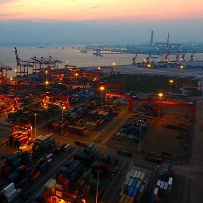 北部湾港-自贡铁海联运班列开通