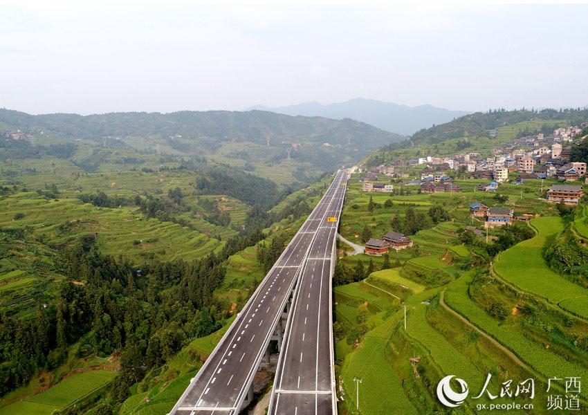 广西三江:侗乡天堑变通途