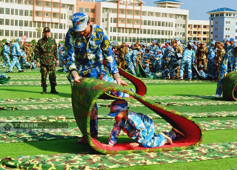 田阳举行趣味游戏比赛 2300多名家长孩子开心玩耍