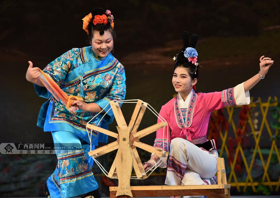 青春版大型彩调歌舞剧《刘三姐》在罗城上演(图)