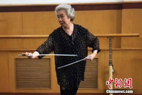 京剧名家艾美君:学戏不能光想出名 要有文化底蕴