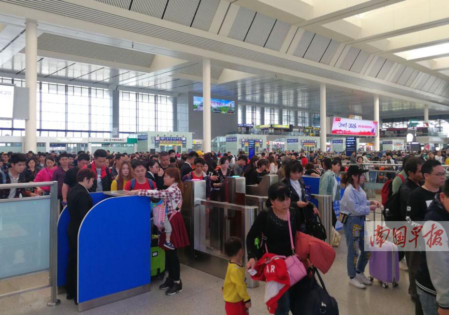广西铁路将迎节后客流高峰 以学生流及务工流为主