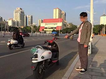 4月22日焦点图:少年深夜飙车 网上直播炫耀