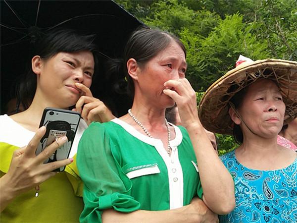 6月9日焦点图:柳江失踪姐妹已遇害 疑凶竟是生父