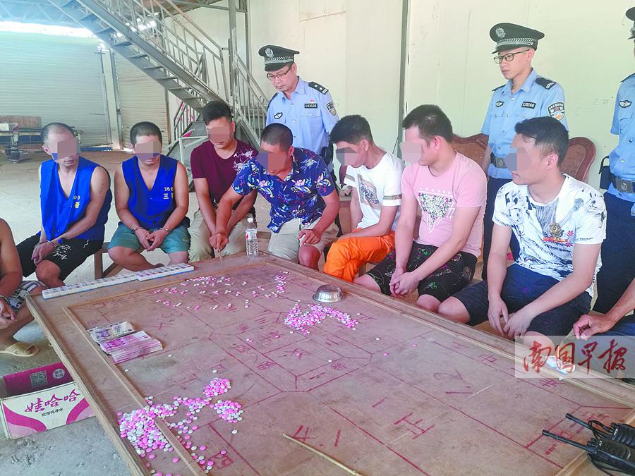6月12日焦点图:广西一高校召集师生帮吃800斤荔枝