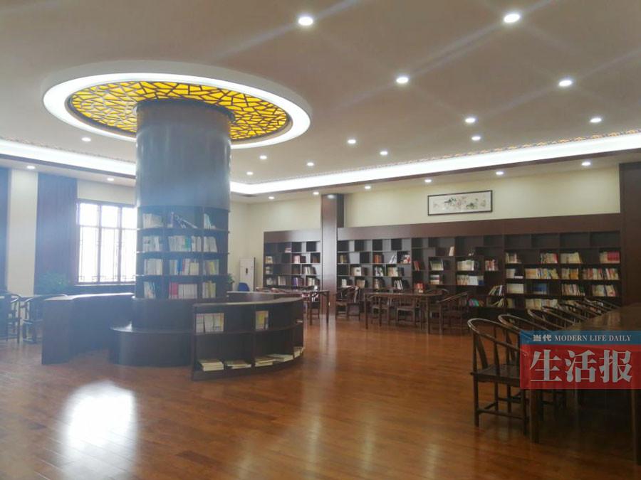 """高清:年度""""全国最美校园书屋""""在南宁二中 长这样"""