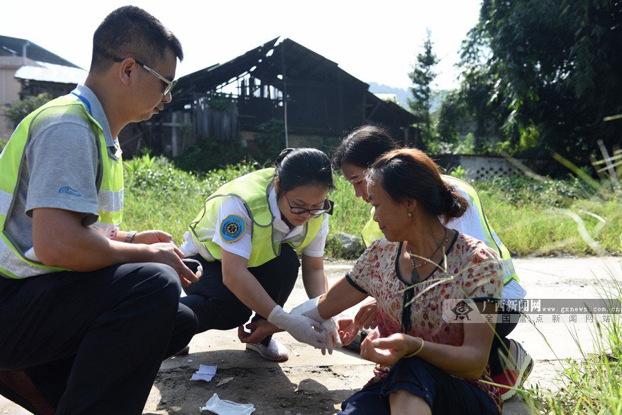 高清:三江开展2018年防汛防地质灾害应急演练
