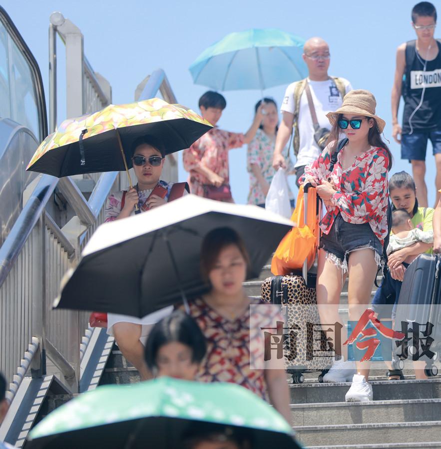 """烈日炎炎众生相 来看看柳州暑天""""表情包""""(图)"""