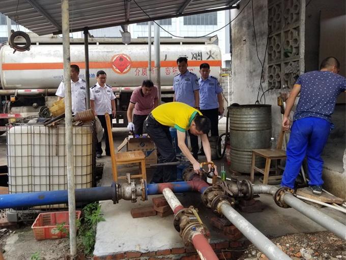 高清组图:来宾破获涉1.5亿元非法经营成品油案