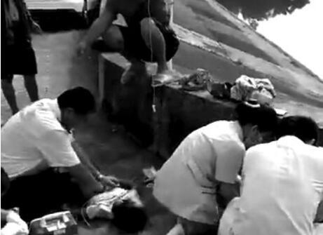 来宾:4孩童随亲戚去水库钓鱼 3人溺亡